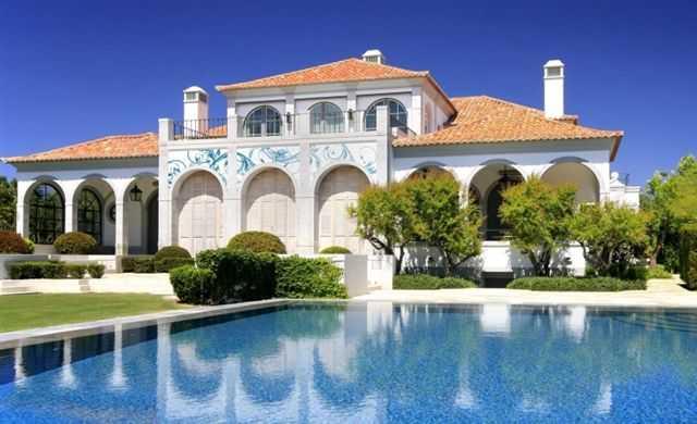 Pitture e decorativi per interni for Ville moderne con piscina