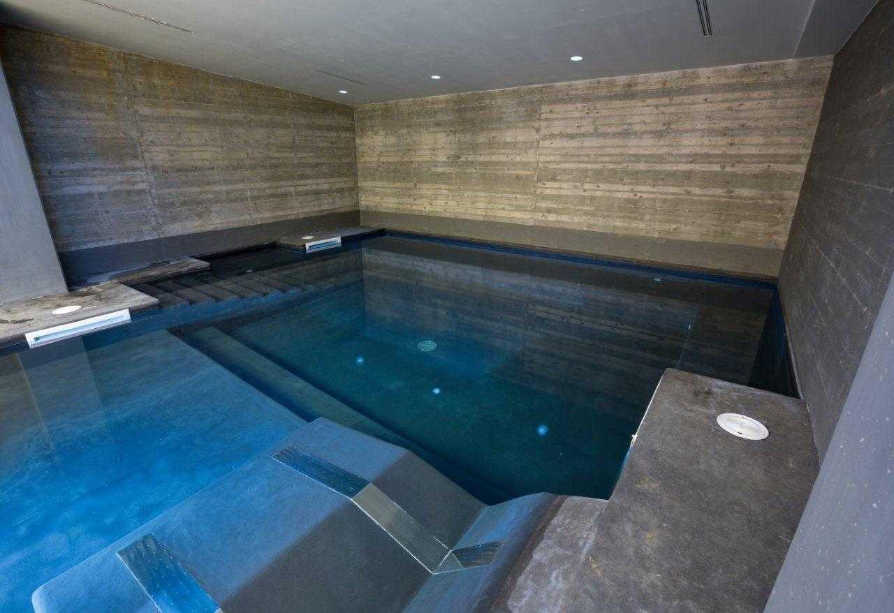 Relax in piscina - Piscina interna casa ...